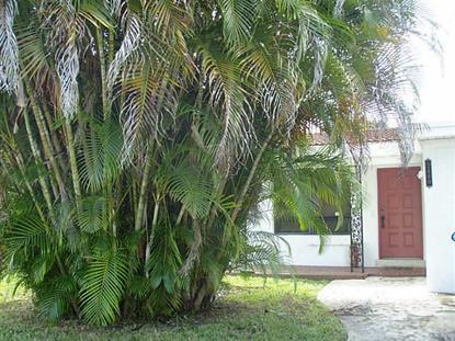 2460 Ne 215th St, Miami, FL 33180