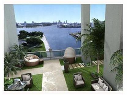900 NE BISCAYNE BL , Miami, FL