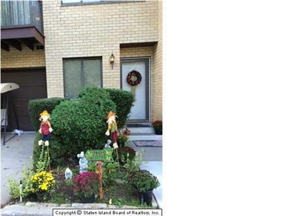 75 Canon Dr, Staten Island, NY 10314