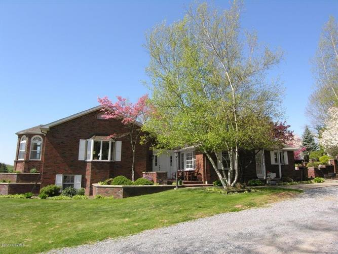 5831 Pleasant Valley Rd, Cogan Station, PA 17728