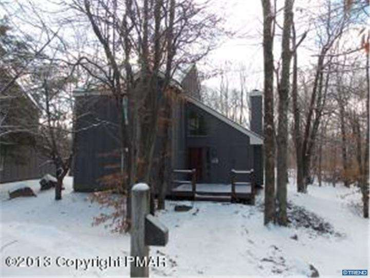 Photo of home for sale at 149 WESTWOODS, Lake Harmony PA