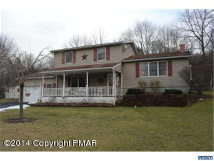 Photo of home for sale at 1032 FOREST DR, Stroudsburg PA