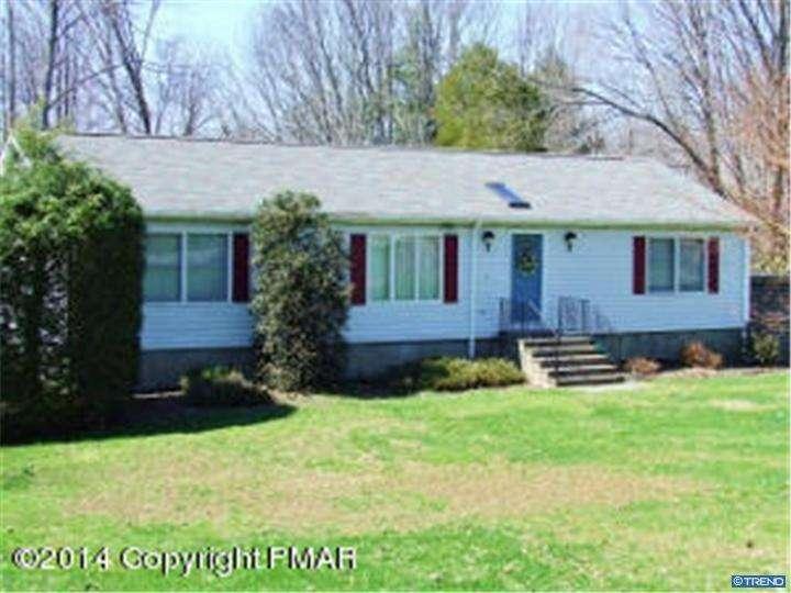 Photo of home for sale at 210 CIRCLE DRIVE SOUTH, Saylorsburg PA