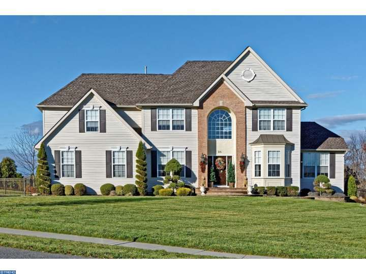 Property for sale at 25 HUNTERS CREEK CIR, Mullica Hill,  NJ 08062