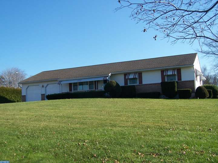 Property for sale at 2008 CORNING RD, Palm,  PA 18070