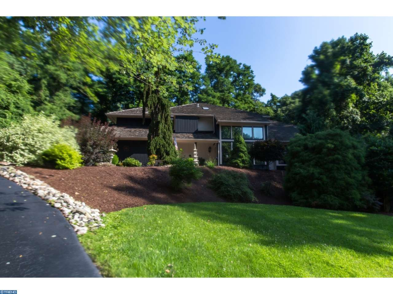 Property for sale at 3 LAKEVIEW PL, Newtown Square,  PA 19073