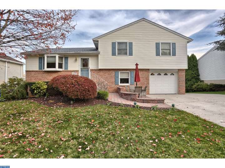 Property for sale at 221 DIPLOMAT DR, Robesonia,  PA 19551