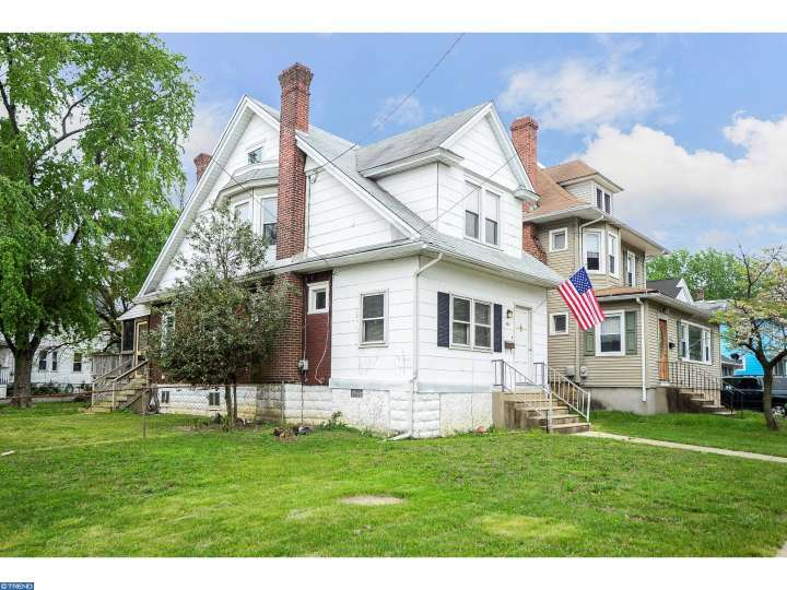 Photo of home for sale at 501 NEWTON AVE, Oaklyn NJ