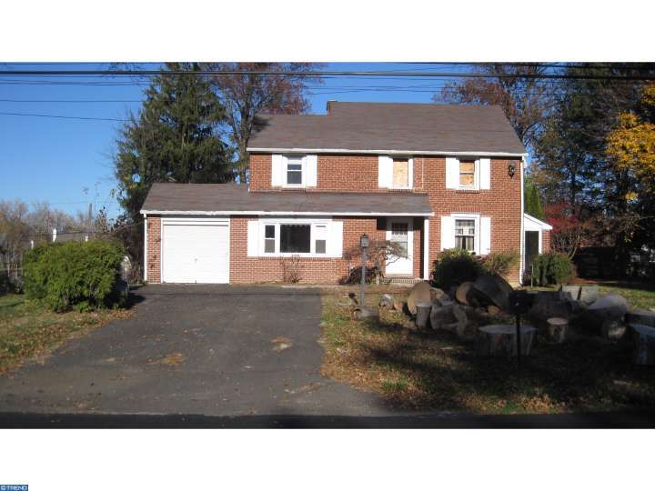 Photo of home for sale at 32 HOME RD, Hatboro PA