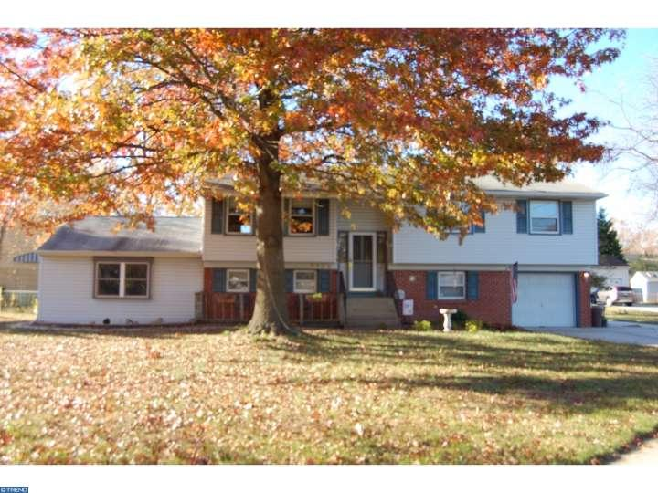 Photo of home for sale at 3108 CONCORD DR, Cinnaminson NJ