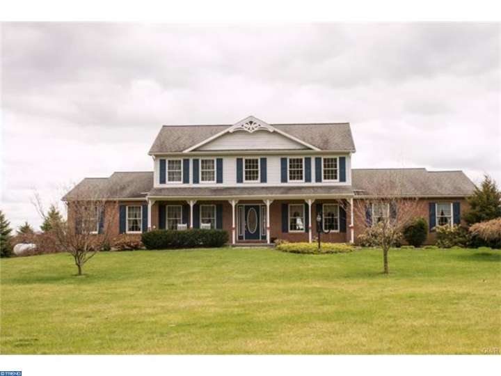 Photo of home for sale at 120 SUNDAY RD, Kutztown PA