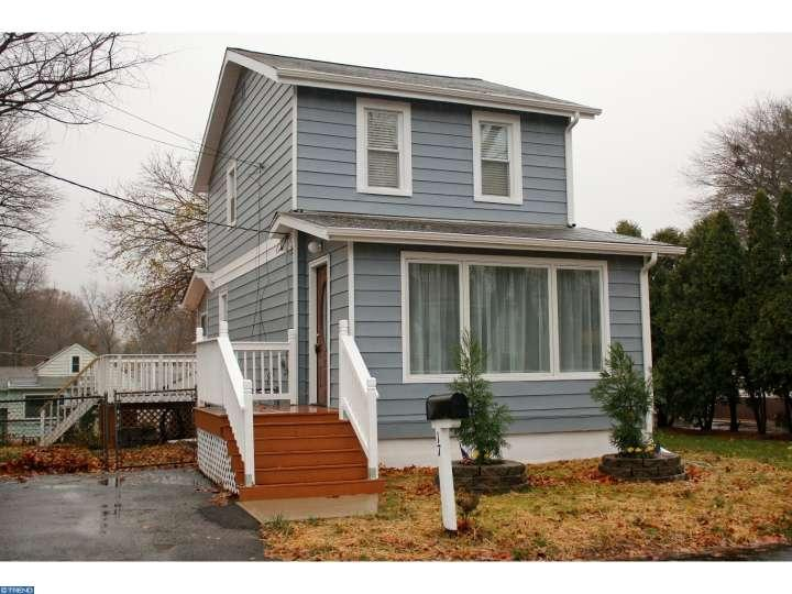 Photo of home for sale at 17 MABEL ST, Ewing NJ