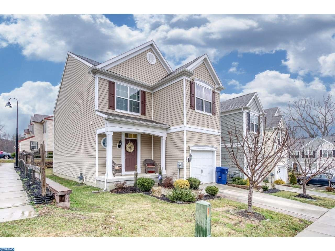 Photo of home for sale at 43 SHIRE CT, Somerdale NJ