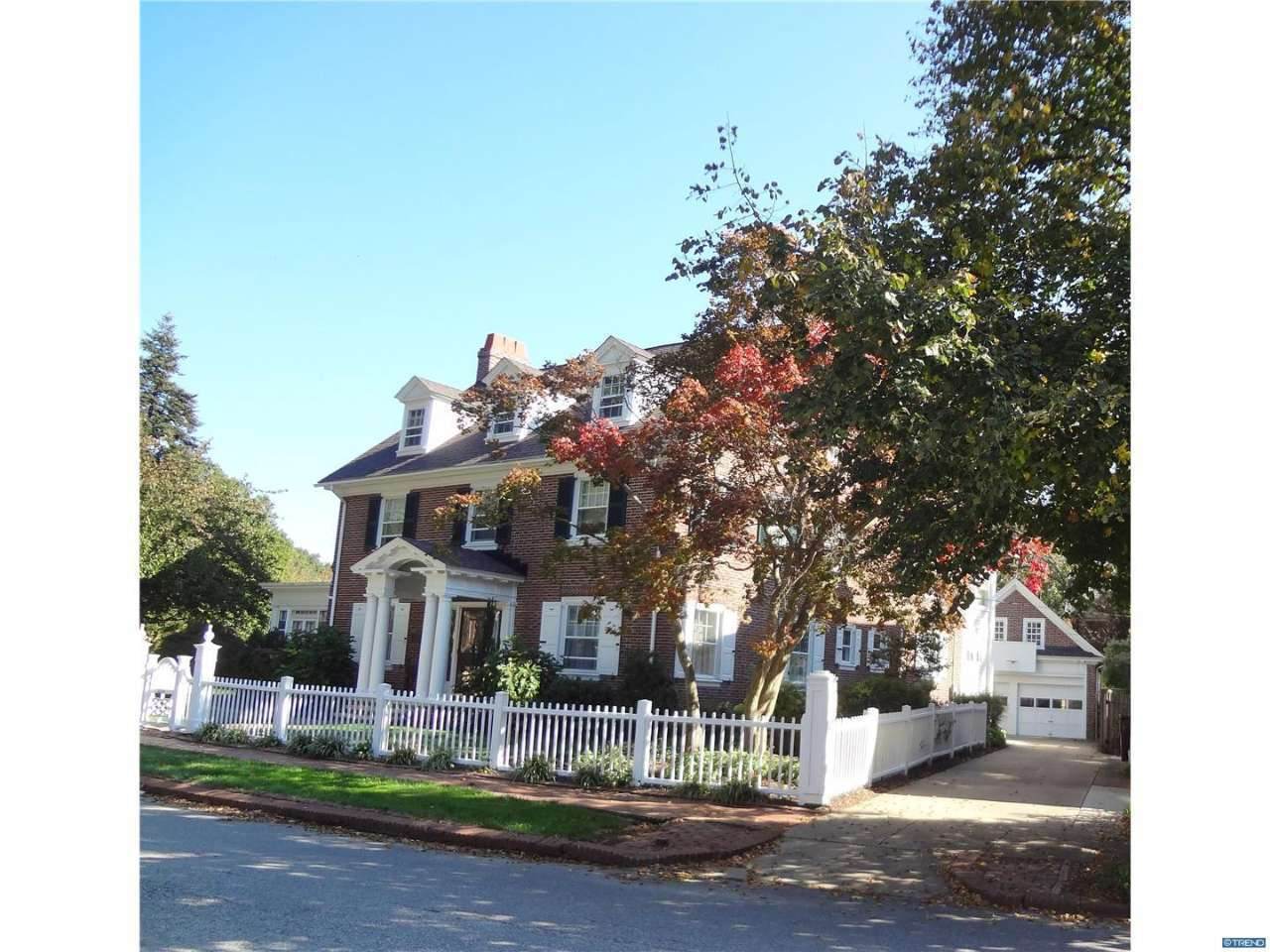 Photo of home for sale at 2210 KENTMERE PKWY, Wilmington DE