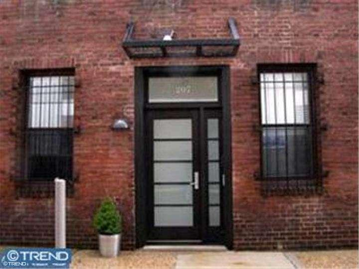 Photo of home for sale at 207 S 24TH ST #1R, Philadelphia PA