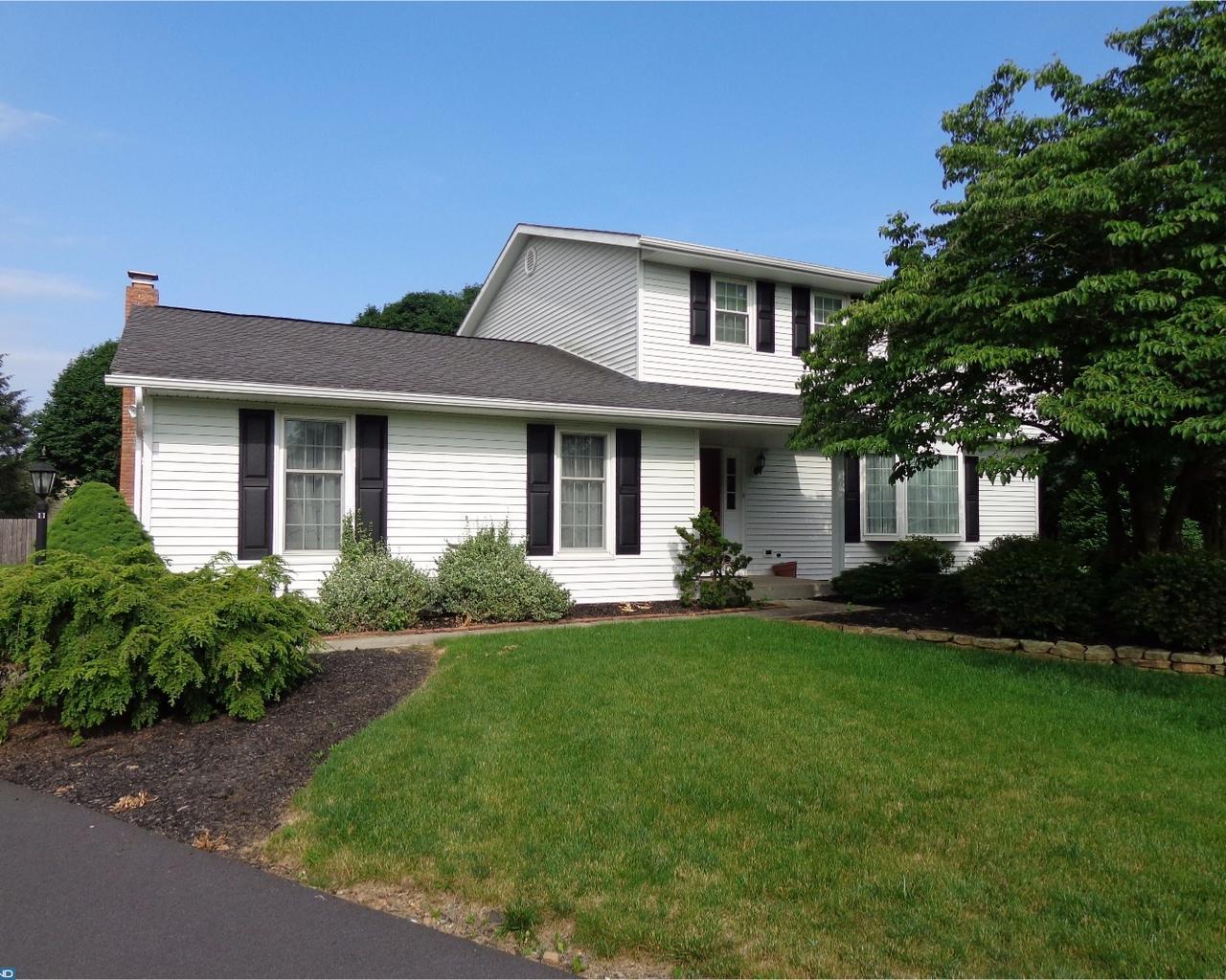 Property for sale at 11 SALEM CIR, Fleetwood,  PA 19522