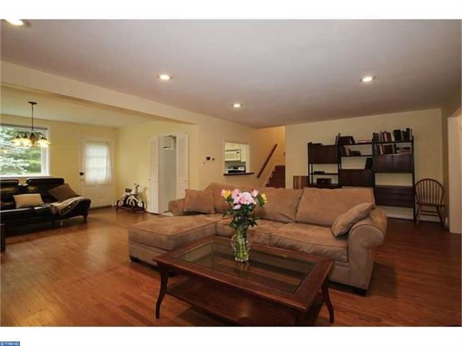 337 WINDING WAY, Glenside, PA 19038