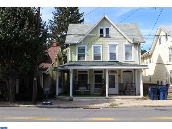 45 W Main St, Newmanstown, PA 17073