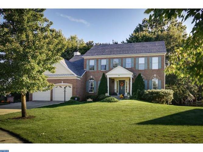 620 Saratoga Dr, Mount Laurel, NJ 08054