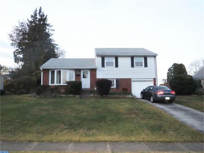 369 Lewis Rd, Springfield, PA 19064