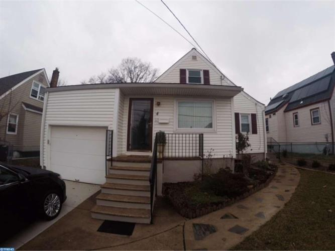 4 Bergen Ave, Bellmawr, NJ 08031
