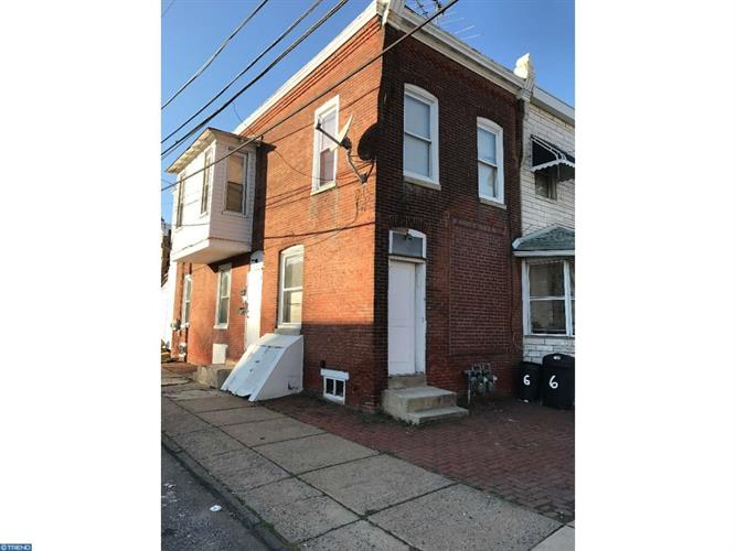 8 S 5th St, Darby, PA 19023