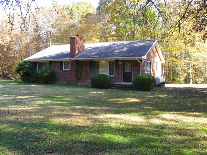 1723 Pipe Plant Road, Pine Hall, NC
