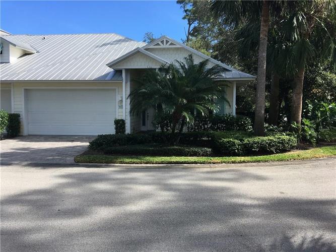 402 Pineapple Sq SW, Vero Beach, FL 32962