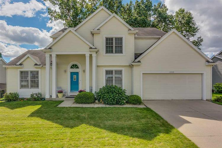 2228 Pine Creek Ct, South Bend, IN 46628