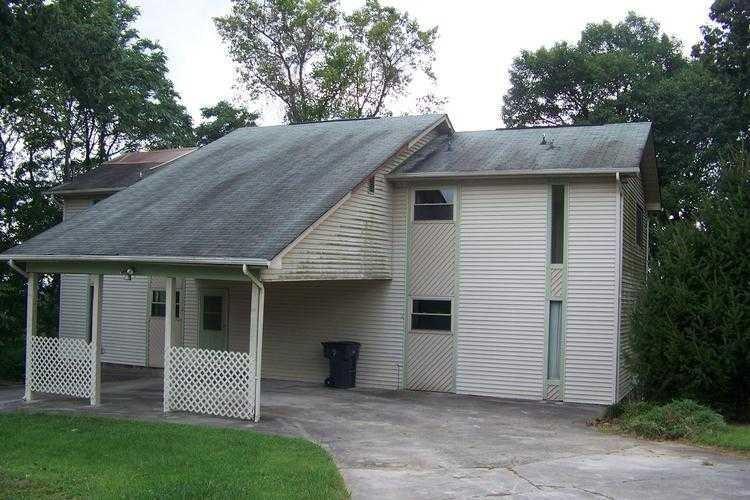 1985 Le Conte St, Morristown, TN 37814