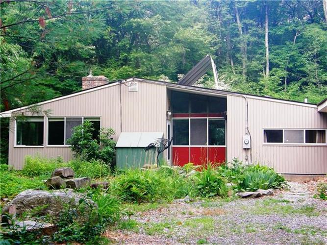 64 Birchwood Heights Rd., Mansfield, CT 06268