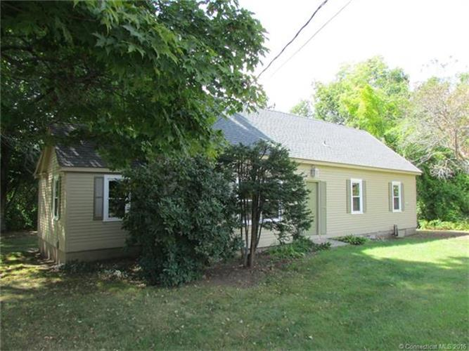 1025 Stafford Rd, Storrs Mansfield, CT 06268
