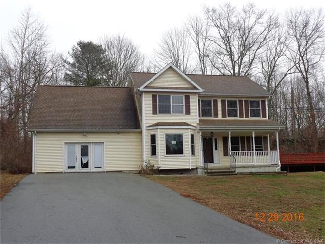18 Bob White Way, Moosup, CT 06354