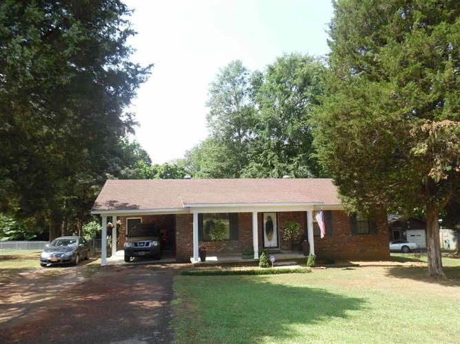415 Cedar Cove Ln, Savannah, TN 38372