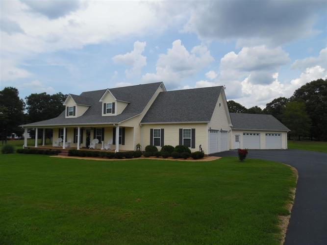 825 Raymond McAnally Rd, Savannah, TN 38372