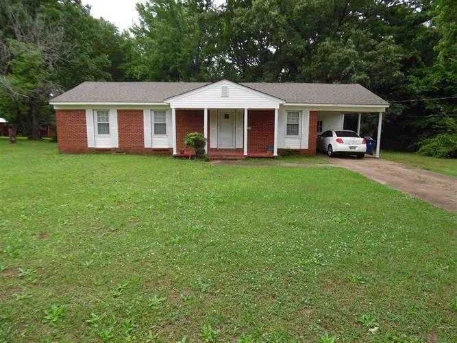 145 Hays St, Savannah, TN 38372
