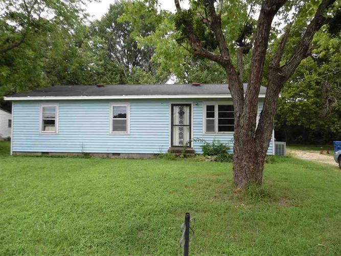 285 Cravens Dr, Savannah, TN 38372
