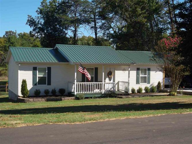 116 Helton Dr, Clifton, TN 38425