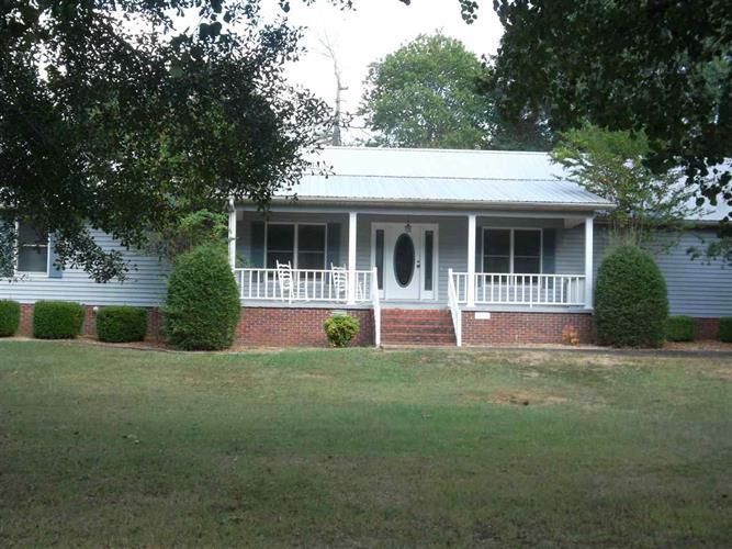314 Palmer St, Adamsville, TN 38310