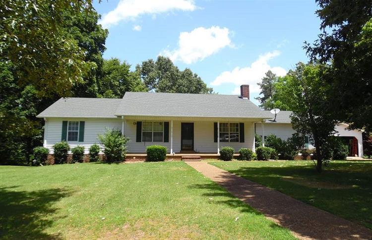 110 Gant Ln, Savannah, TN 38372