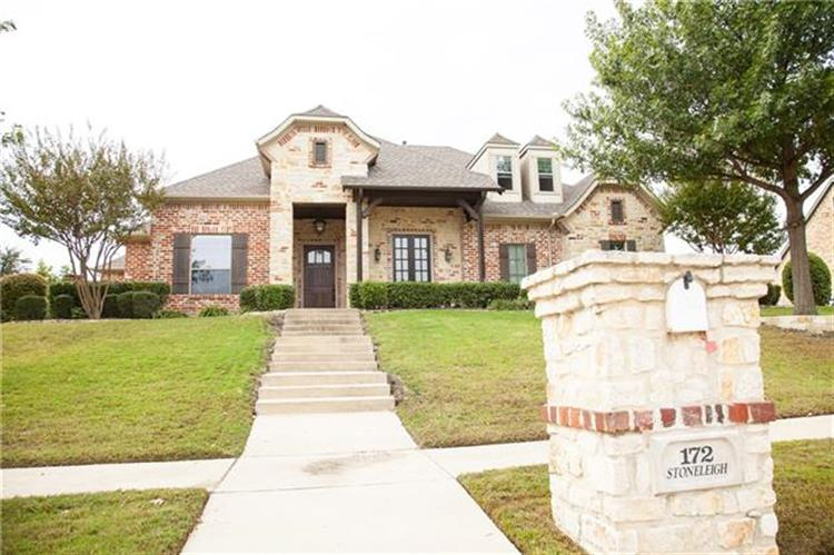 172 Stoneleigh Drive, Heath, TX