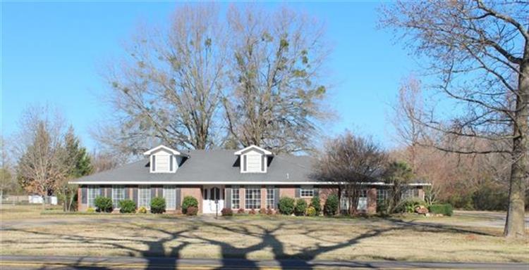 612 W Coke Road, Winnsboro, TX 75494