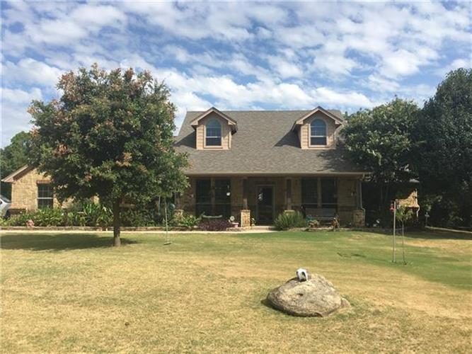 100 Cross Forest Ct, Poolville, TX 76487