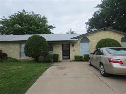 1005 Plover Lane  Arlington, TX MLS# 13136693