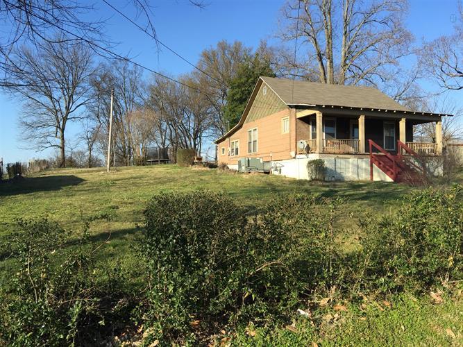 111 E 16th St, Columbia, TN 38401
