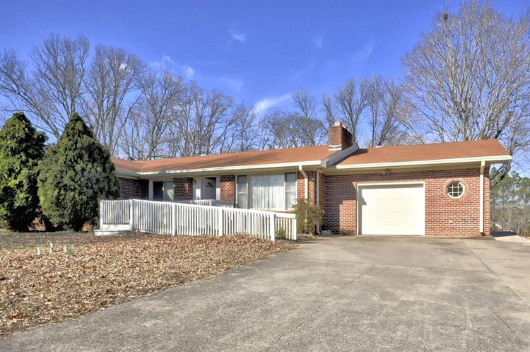 403 Old Trenton Rd, Clarksville, TN 37040
