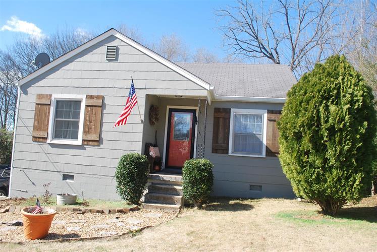 1706 Rayburn Ave, Columbia, TN 38401