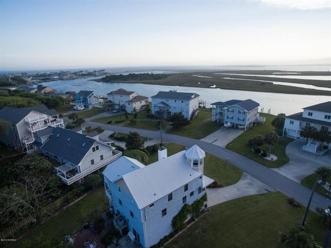 414 Channel Dr, Emerald Isle, NC 28594