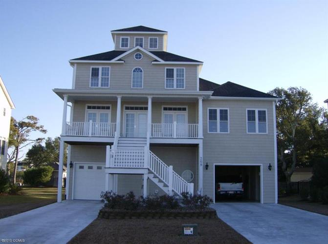 208 Branch Dr, Harkers Island, NC 28531