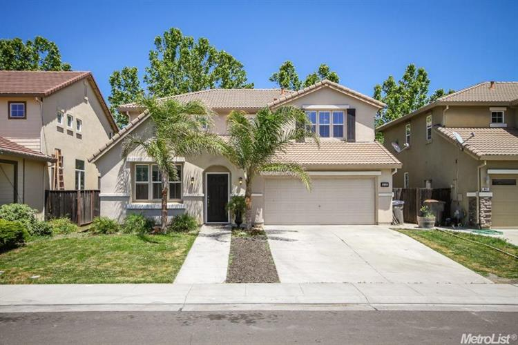 635 Laugenour Drive, Woodland, CA 95776